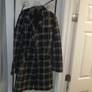 Black & white lightweight coat